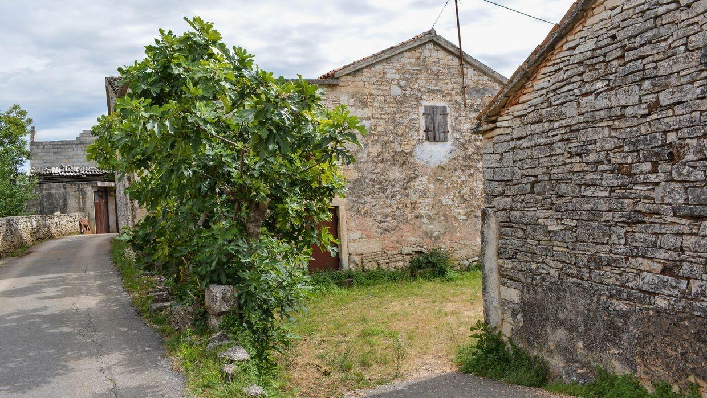 Casa di pietra da ristrutturare rovinj kanfanar for Case di pietra davanti