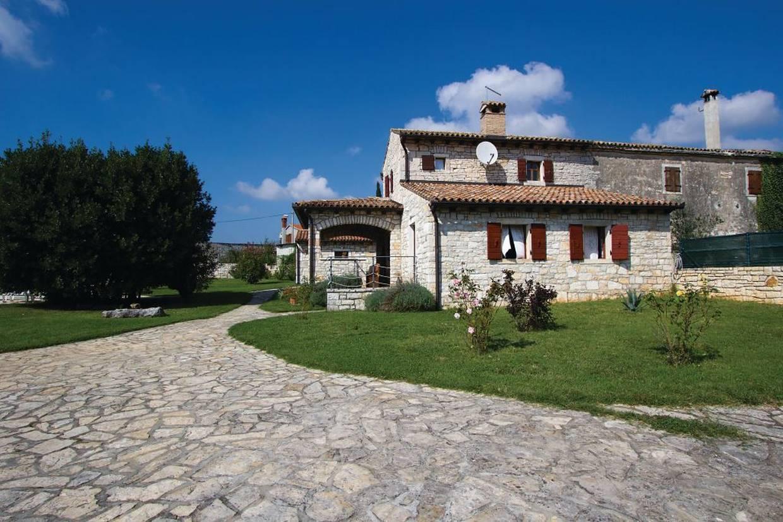Casa di pietra in vendita rovinj for Case di pietra davanti