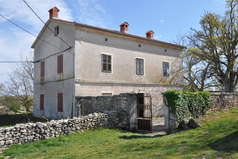 Casa di pietra da ristrutturare marcana for Case di pietra davanti