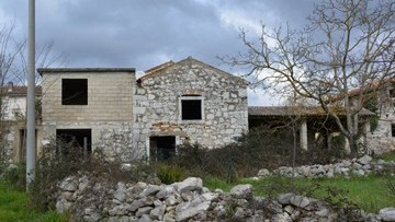 Stone house for sale Poreč
