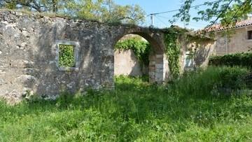 Kamena kuća za renoviranje Višnjan