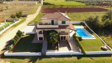 House wit pool for sale Poreč