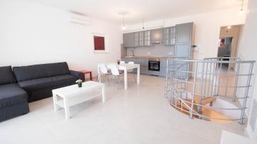 Dvosobni apartman na prodaju Fažana