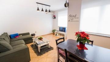 Trosobni apartman na prodaju Valdebek Pula
