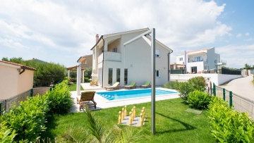 House with pool Medulin