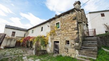 Kamena kuća za renoviranje Buzet