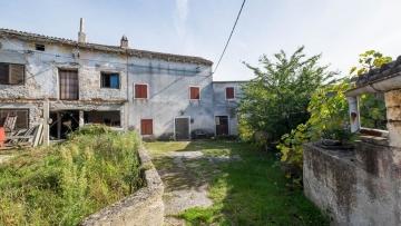 Kamena kuća na prodaju Marčana