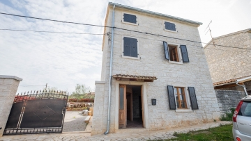 Kamena kuća na prodaju Višnjan