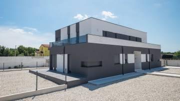Novogradnja - Dvosobni apartman na prodaju Poreč