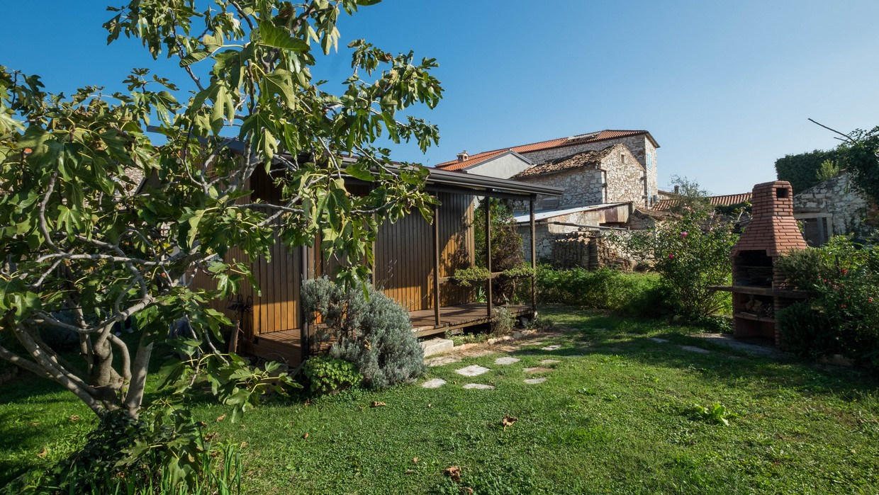 Stone house for sale Brtonigla