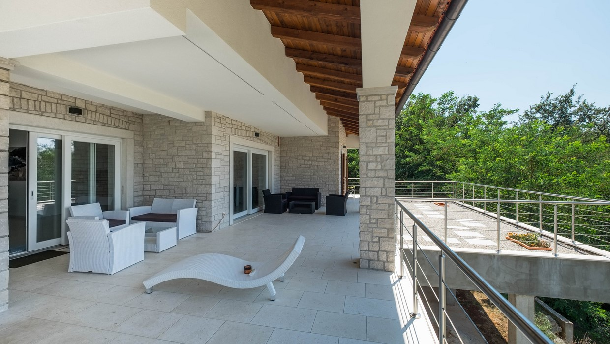 Villa for sale near Sveti Lovreč