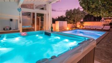Kuća s bazenom na prodaju Medulin