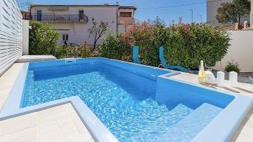 Kuća s bazenom na prodaju Pula