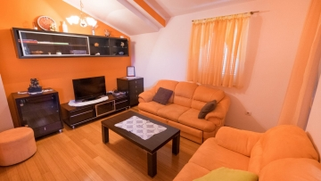 Two bedroom apartment for sale near Poreč
