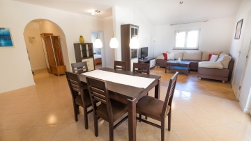 Medulin two bedroom apartment 20 m from the sea