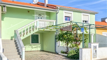 Beautiful house for sale in Medulin at the beach