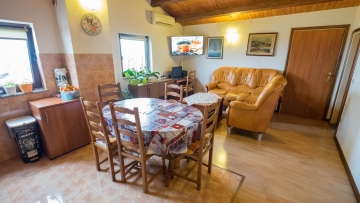 Opportunity - Three bedroom apartment for sale Poreč