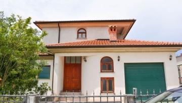 Kuća na prodaju Umag
