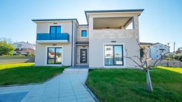 Newly built semi-detached house for sale Poreč
