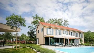 Prekrasna novoizgrađena vila u okolici Vižinade