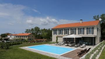 Novoizgrađena istarska vila blizu Vižinade