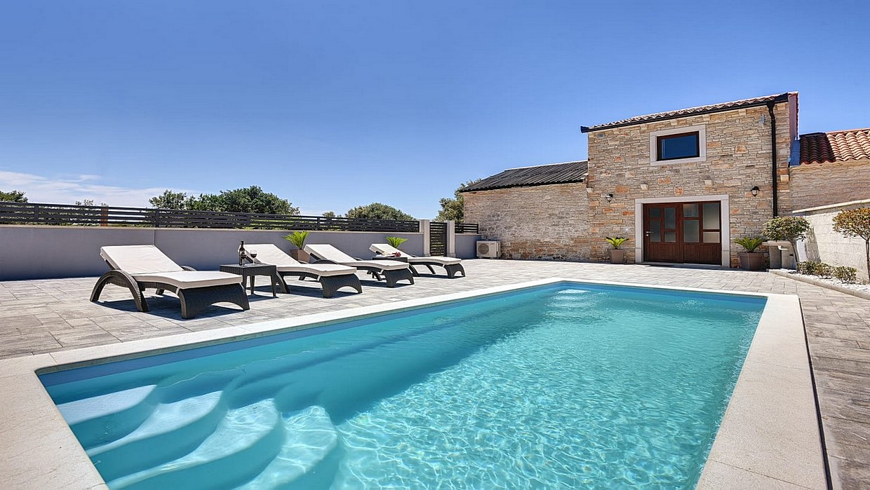Renovated stone house with swimming pool
