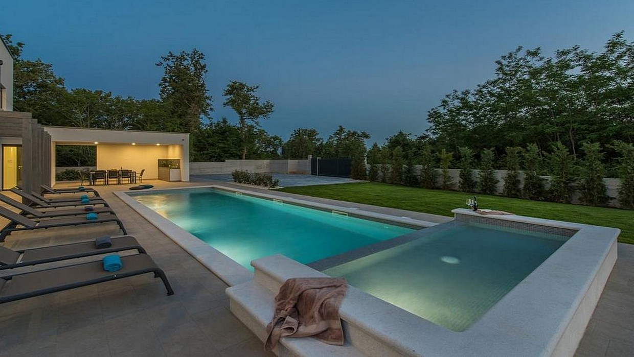 Modern villa for sale near Poreč