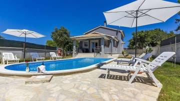 Kuća s bazenom na prodaju Ližnjan Medulin