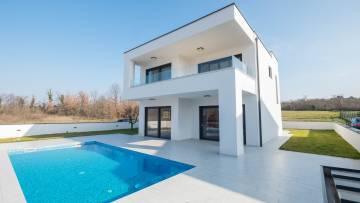 Moderna vila s grijanim bazenom u okolici Poreča