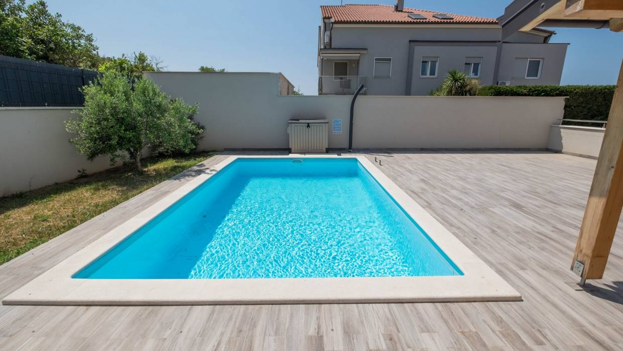 Apartment wit pool for sale Banjole Medulin