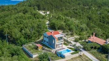 Kuća s bazenom u blizini Buzeta