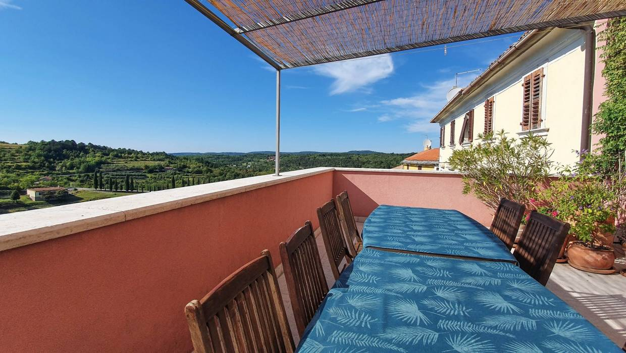 Renovated stone house with indoor pool near Motovun