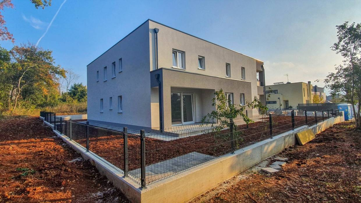 Three bedroom apartment near Poreč, New building