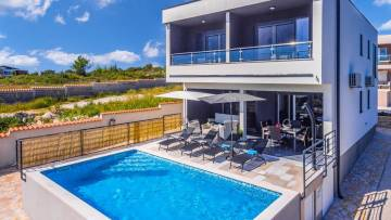 House with pool for sale Medulin