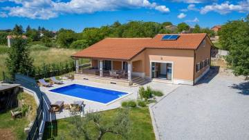 Detached single storey house in Central Istria