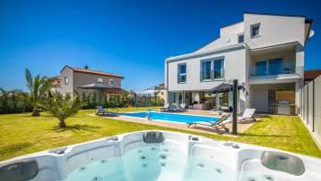 Luxurious modern villa near Poreč