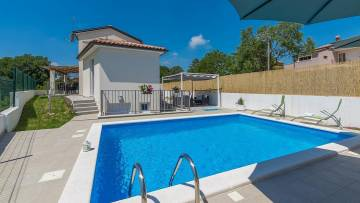 House with pool for sale Rovinj