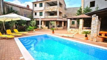 Stone house for sale Marcana