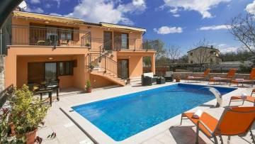 House with two apartments and a swimming pool Juršići Svetvinčenat