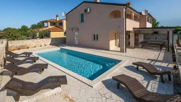 House with pool for sale Barbariga Vodnjan