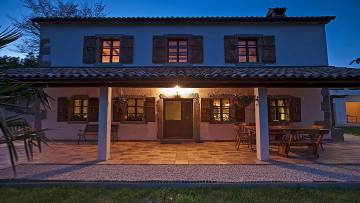 Stone house for sale Pazin