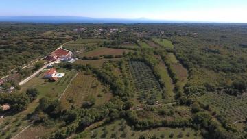 Građevinsko zemljište na prodaju Marčana