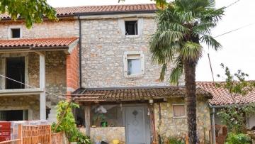 Stone house for sale Labinci