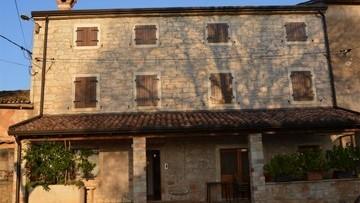 Kamena kuća na prodaju Kaštelir